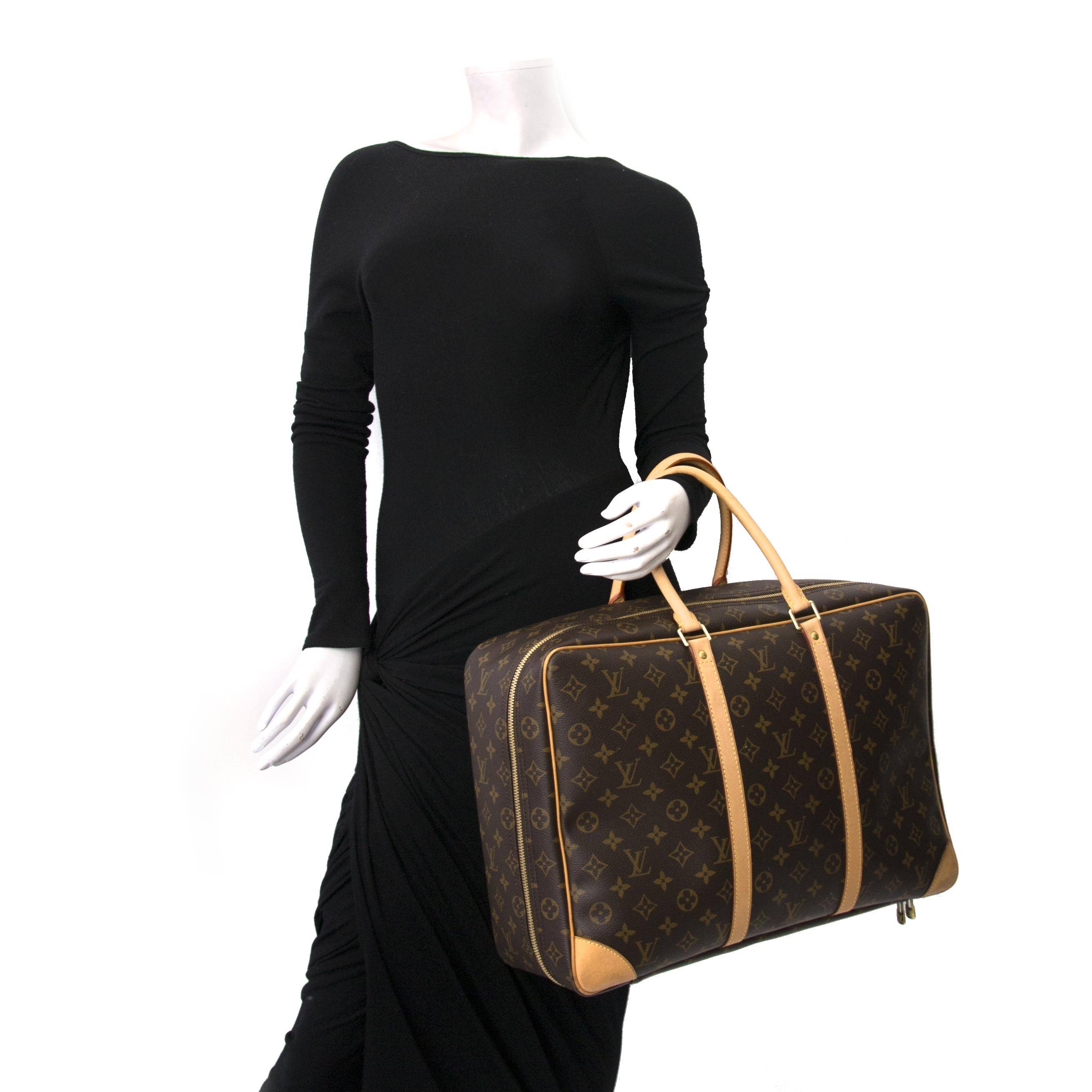 Louis Vuitton Monogram Sirius 45 Travel Bag shop online tegen de beste prijs Louis Vuitton Monogram Sirius 45 Travel Bag