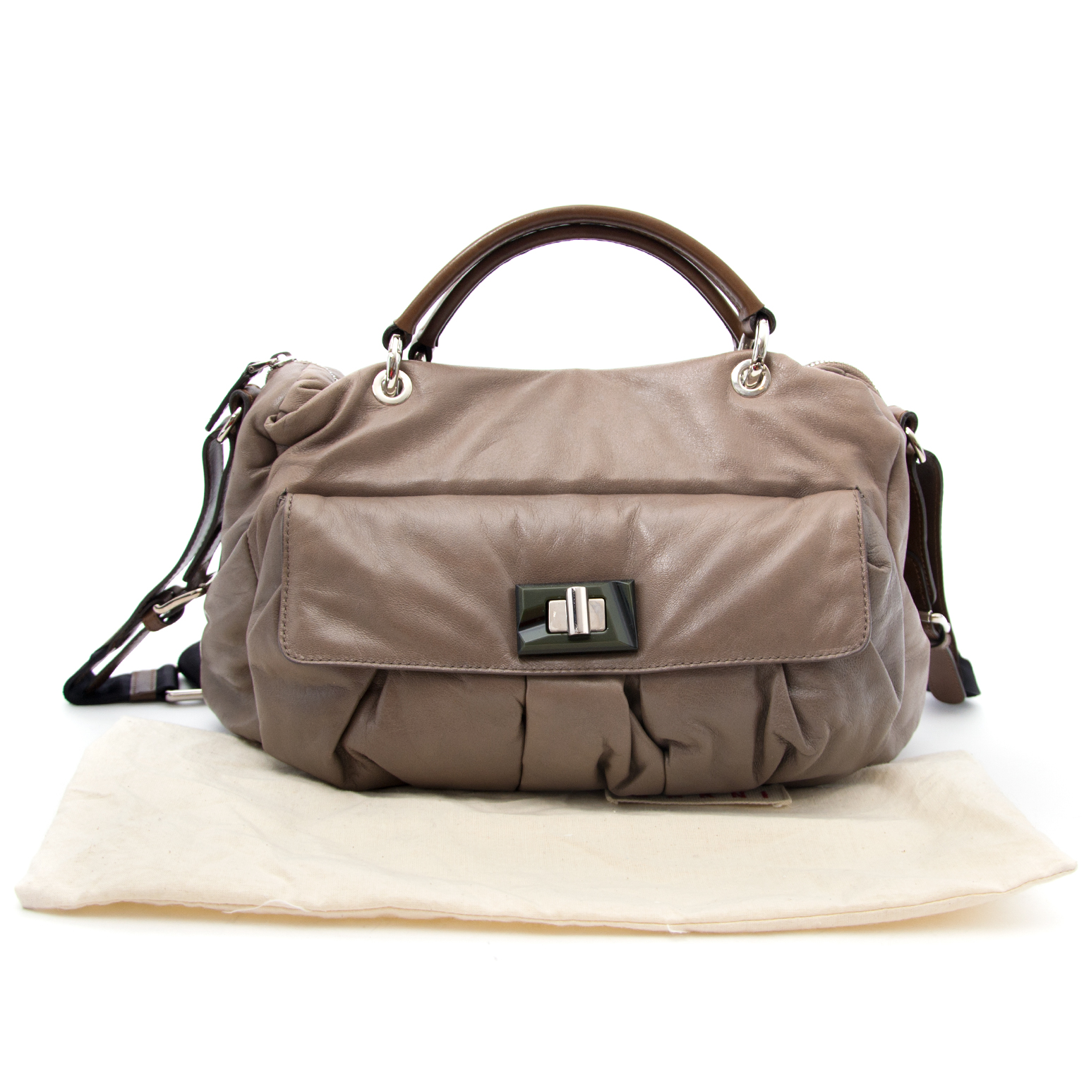 Timeless luxury for the best price at Labellov secondhand designer bags in Antwerp