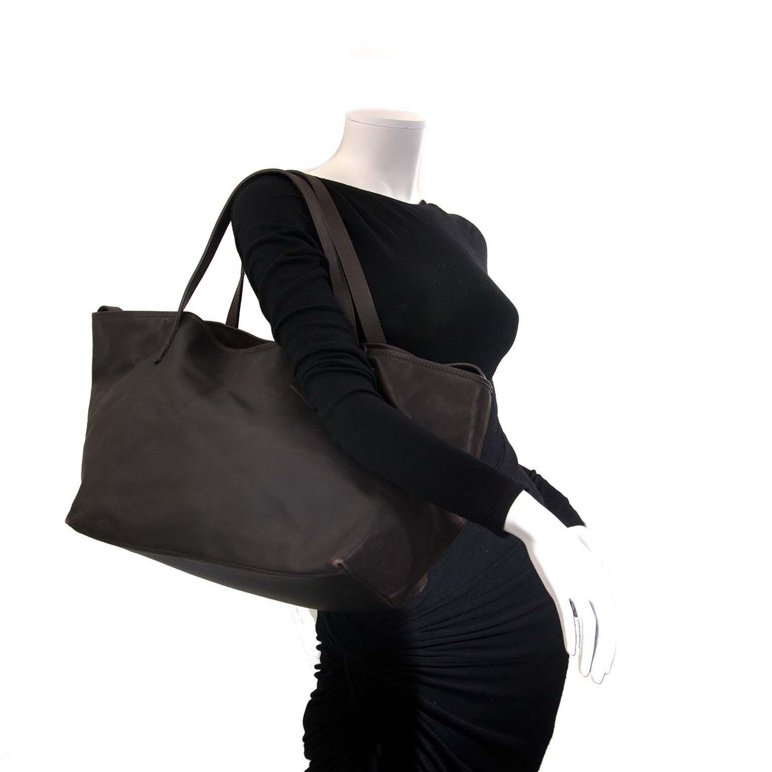 Max Mara Brown Leather Tote Bag now for sale at labellov vintage fashion webshop belgium