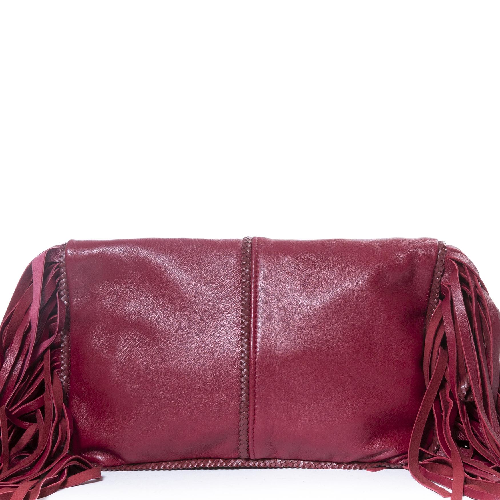 achetez Mina Vatter Red Leather Fringe Clutch chez labellov pour le meilleur prix