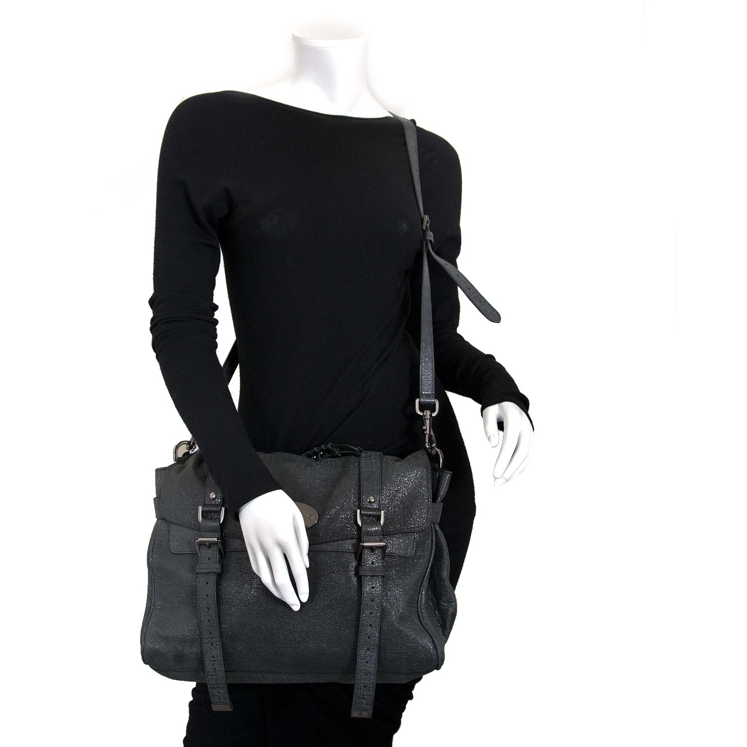 mulberry alexa oversized shiny grey shoulder bag now for sale at labellov vintage fashion webshop belgium