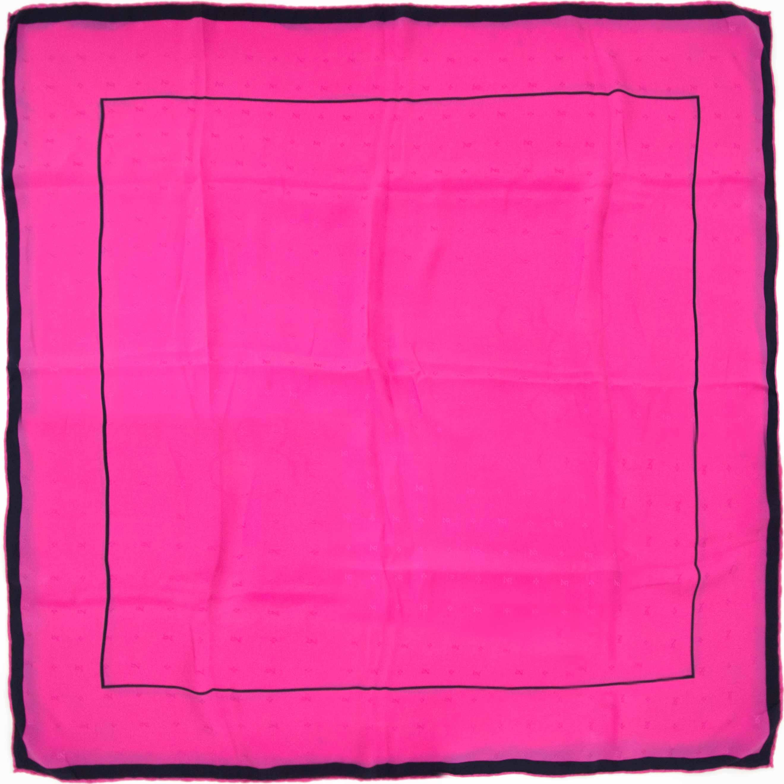 koop nu veilig en online jouw tweedehands Nina Ricci Pink Scarf op labellov.com