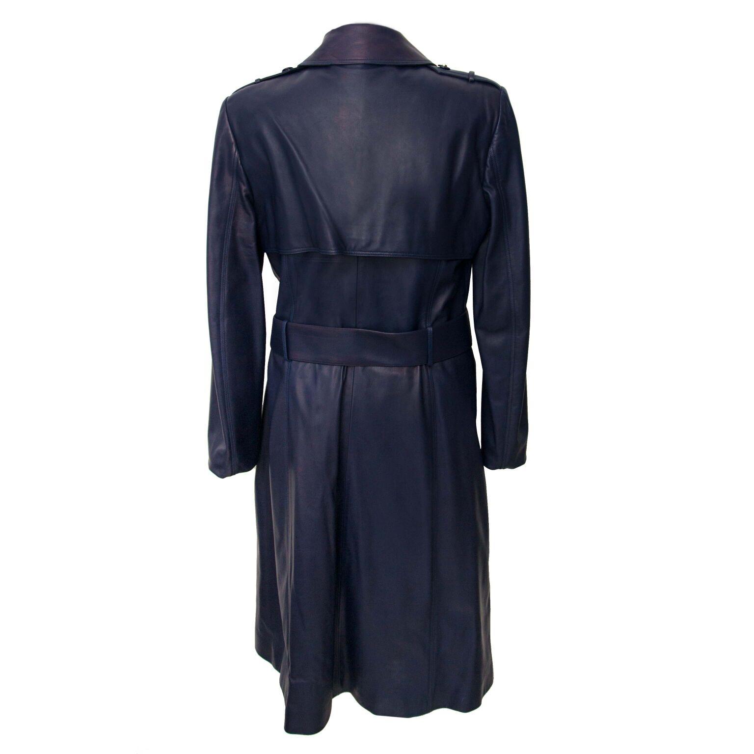 achetez en toute sécurité versace dark blue trench coats sur labellov