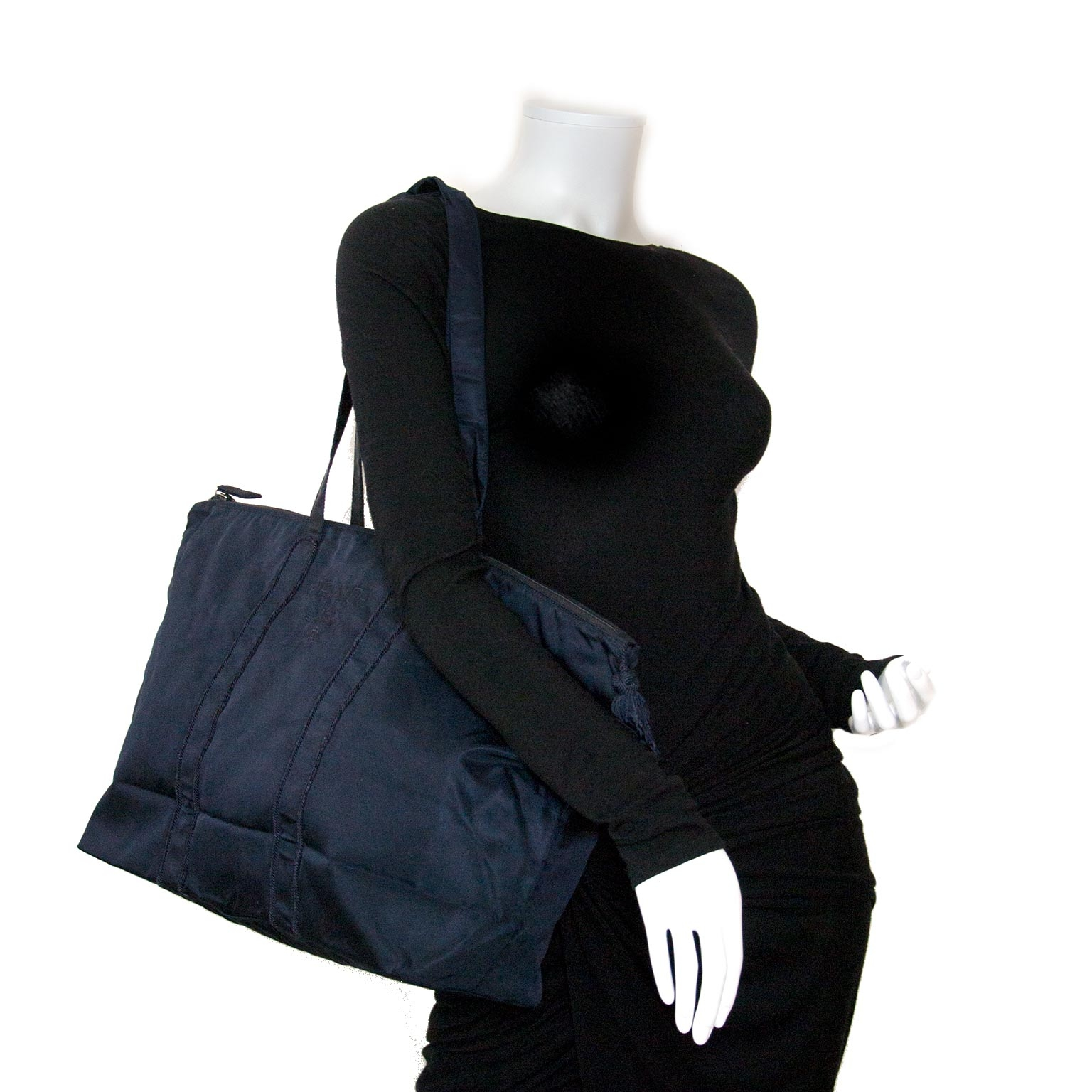 Prada dark blue nylon shopper now for sale at labellov vintage fashion webshop belgium