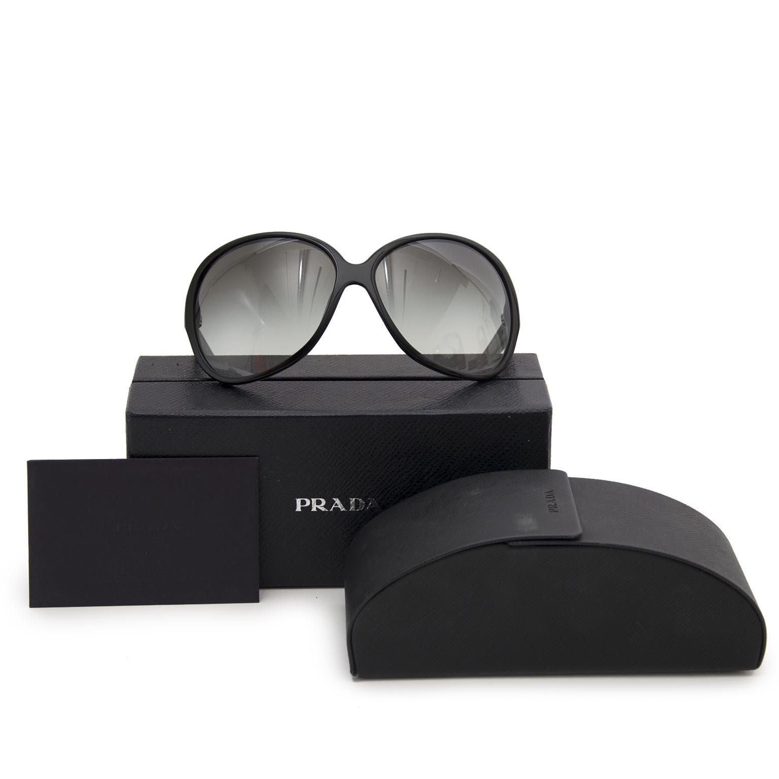 Prada black lunettes de soleil en ligne chez labellov.com pour le meilleur prix