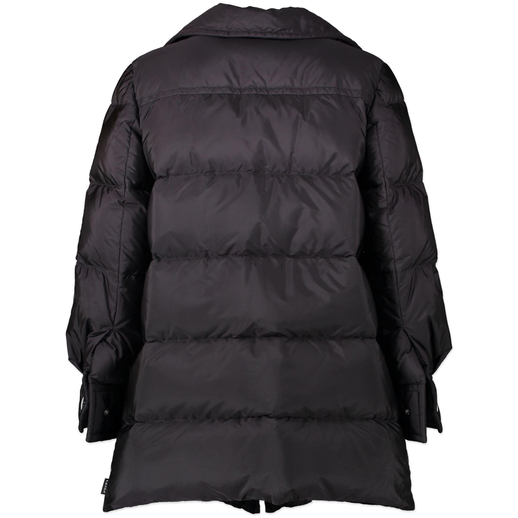 Prada Black Feather Nylon Puffer Mid Length Jacket aan de beste prijs te koop bij Labellov tweedehands luxe in Antwerpen