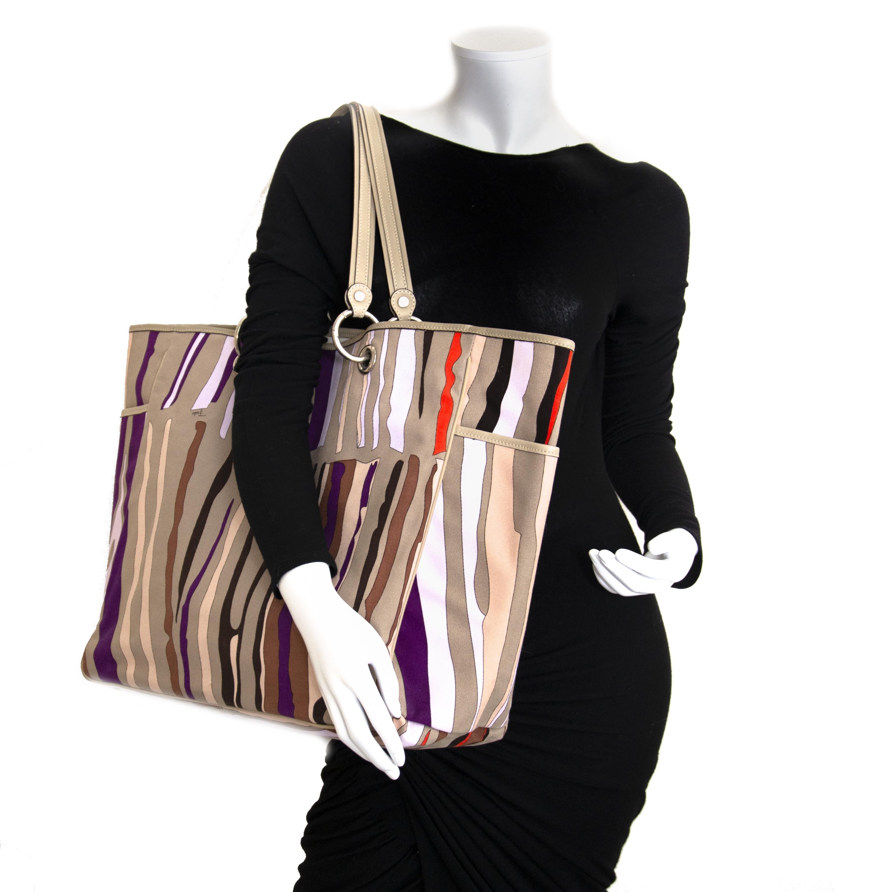 Emilio Pucci Beige Printed Tote Bag (Labellov) For the best price at LabelLov. Pour le meilleur prix à LabelLOV. Voor de beste prijs bij LabelLOV.