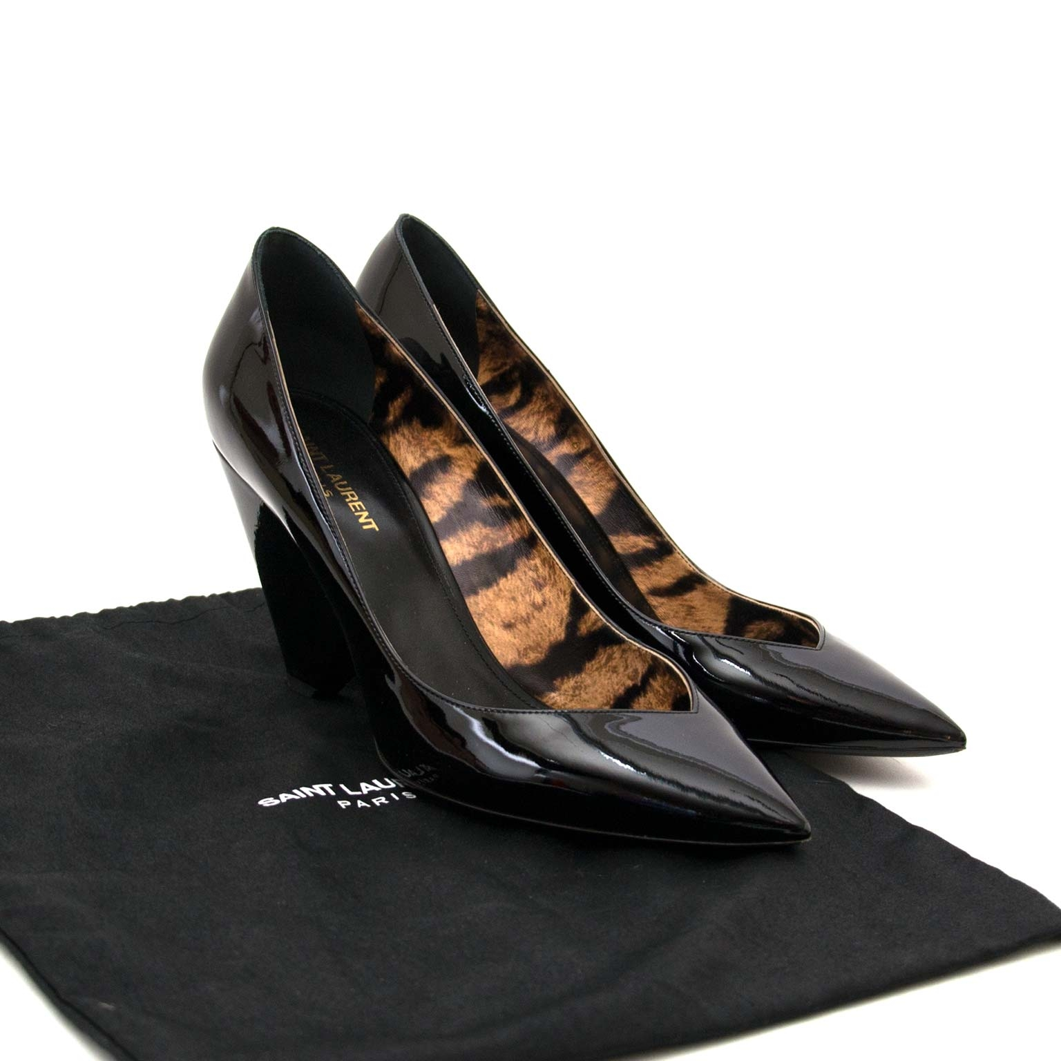 saint laurent black patent triangle block heel pumps now for sale at labellov vintage fashion webshop belgium