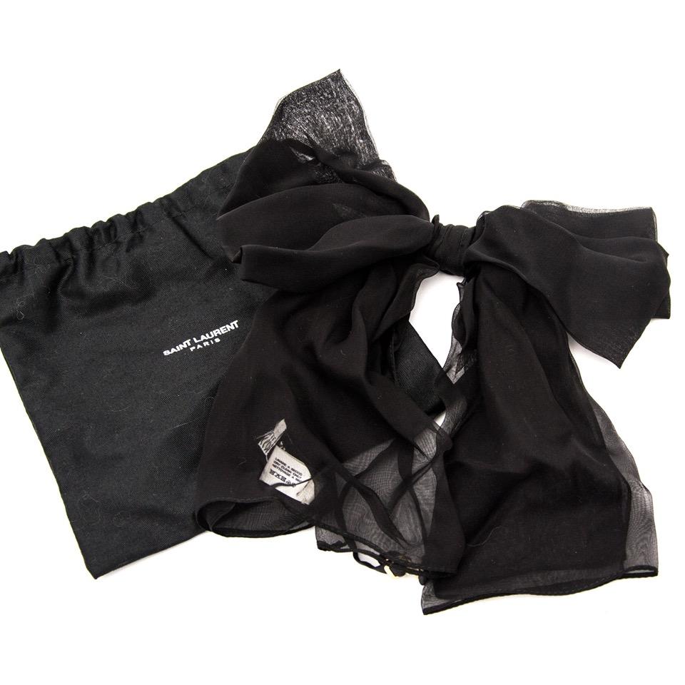 Acheter de Saint Laurent Signature Bow en soie pour le meilleur prix avec Labellov secondemains.