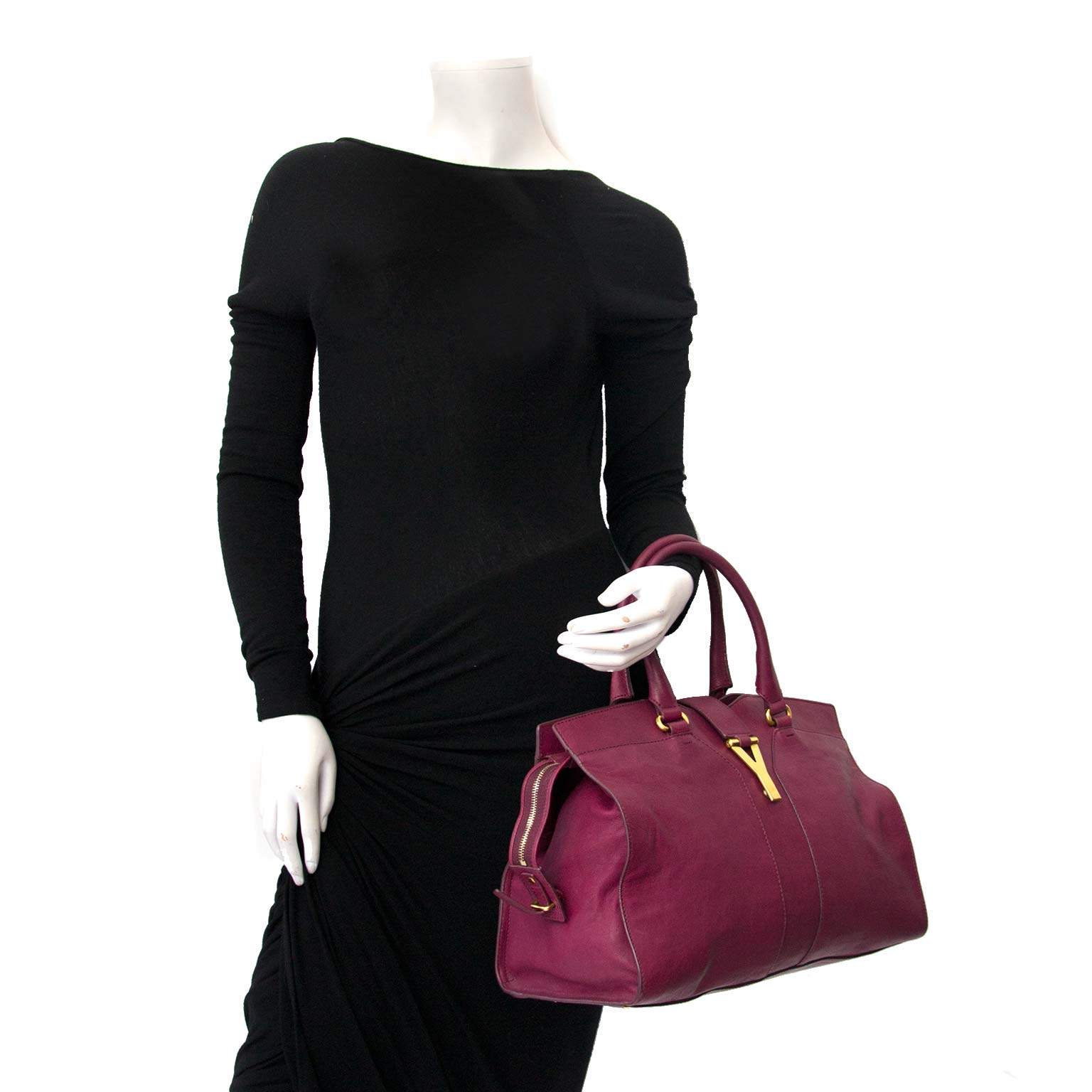 ... Saint Laurent Cabas Y Purple Leather Tote for sale at Labellov · Yves  Saint Laurent b2125e15b558a