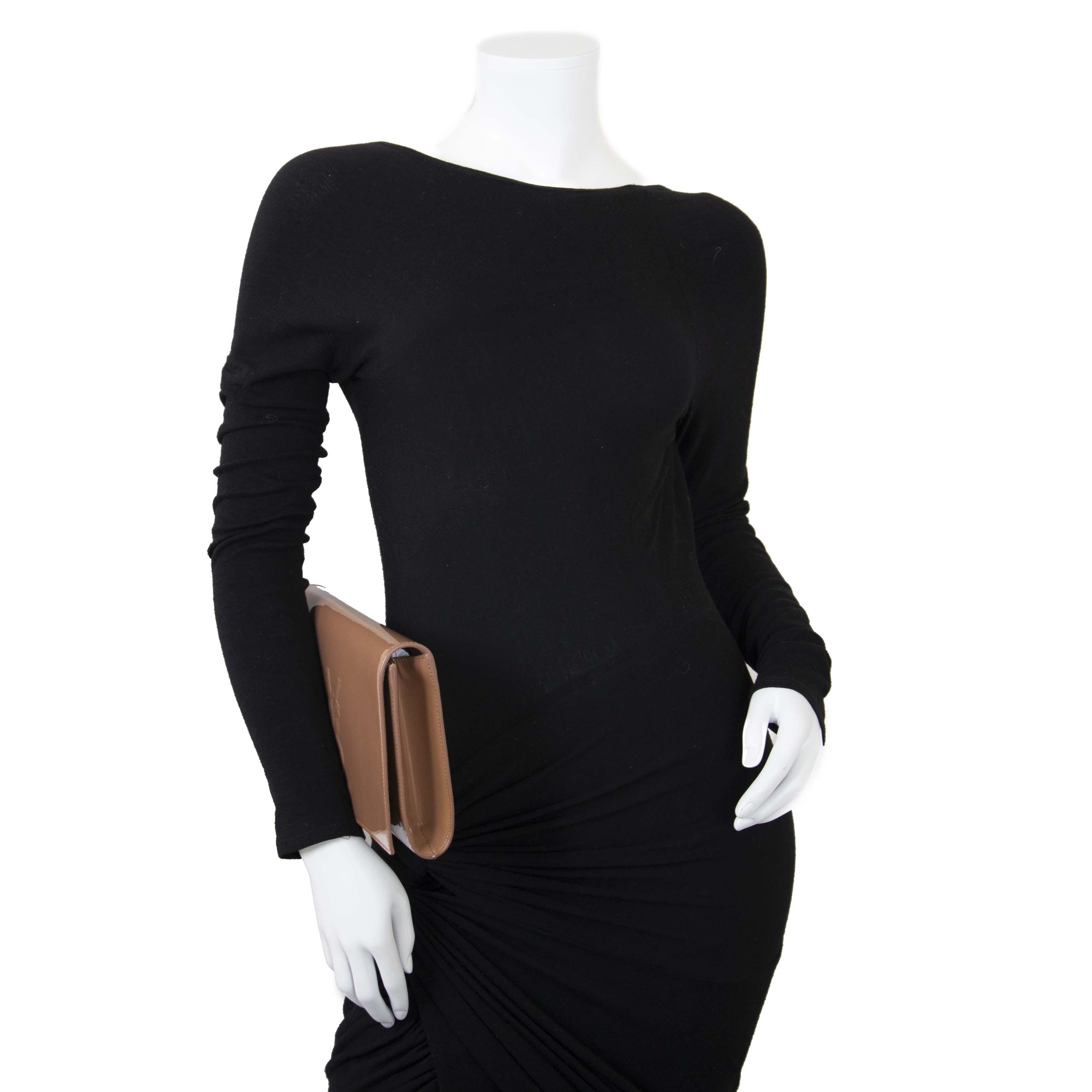 Yves Saint Laurent Patent Belle De Jour Large Clutch now for sale at labellov vintage fashion webshop belgium