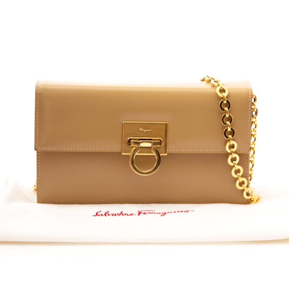 4311807679c9ad Safe and secure online Vintage Salvatore Ferragamo clutch for the best  price at Labellov webshop. Safe and secure online