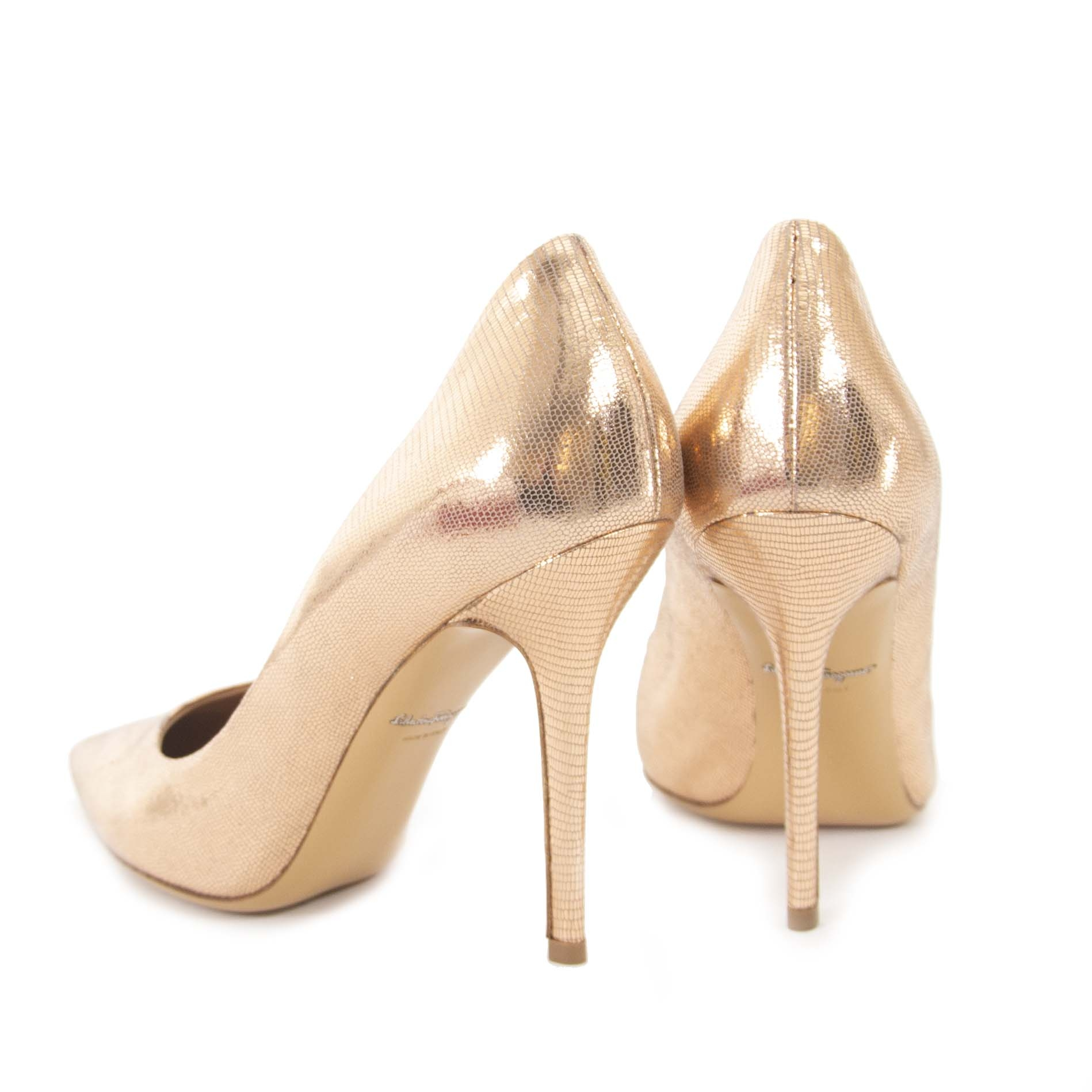Salvatore Ferragamo Quarzo Fum Kangaroo Pumps - Size 39.5 now for sale at labellov vintage fashion webshop belgium