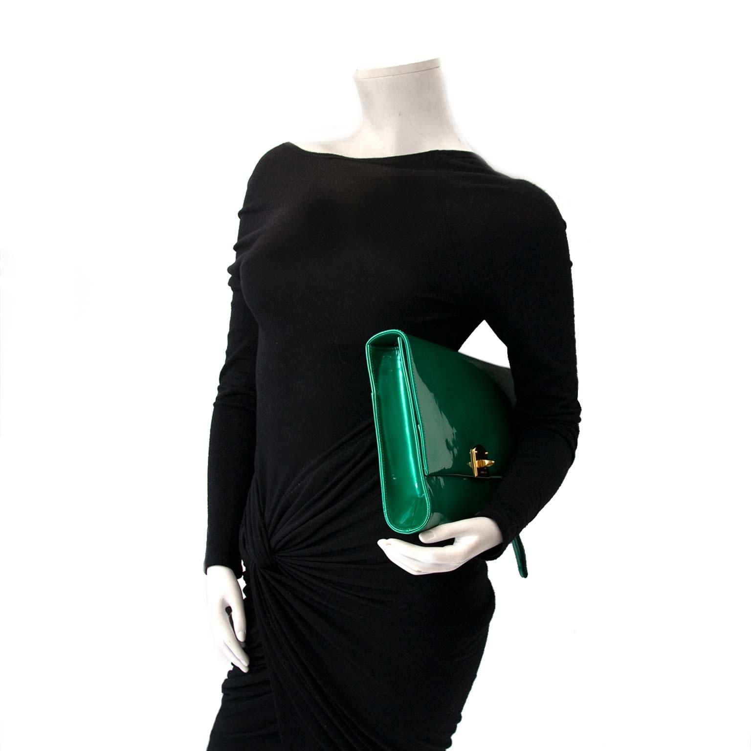 acheter en ligne seconde main Sergio Rossi Green Patent XL Clutch