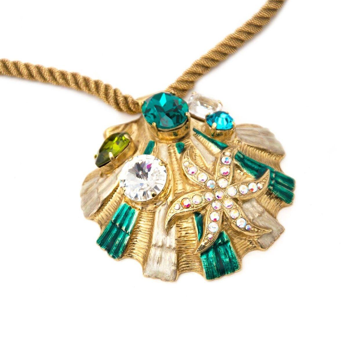 Koop authentieke tweedehands Blumarine necklace een eerlijke prijs bij LabelLOV. Veilig online shoppen.