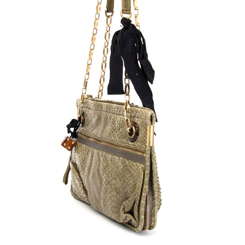 Buy Lanvin Olive Green Python Shoulder Bag at the right price at LabelLOV vintage webshop. Luxe, vintage, fashion. Safe and secure online shopping. Antwerp, Belgium.