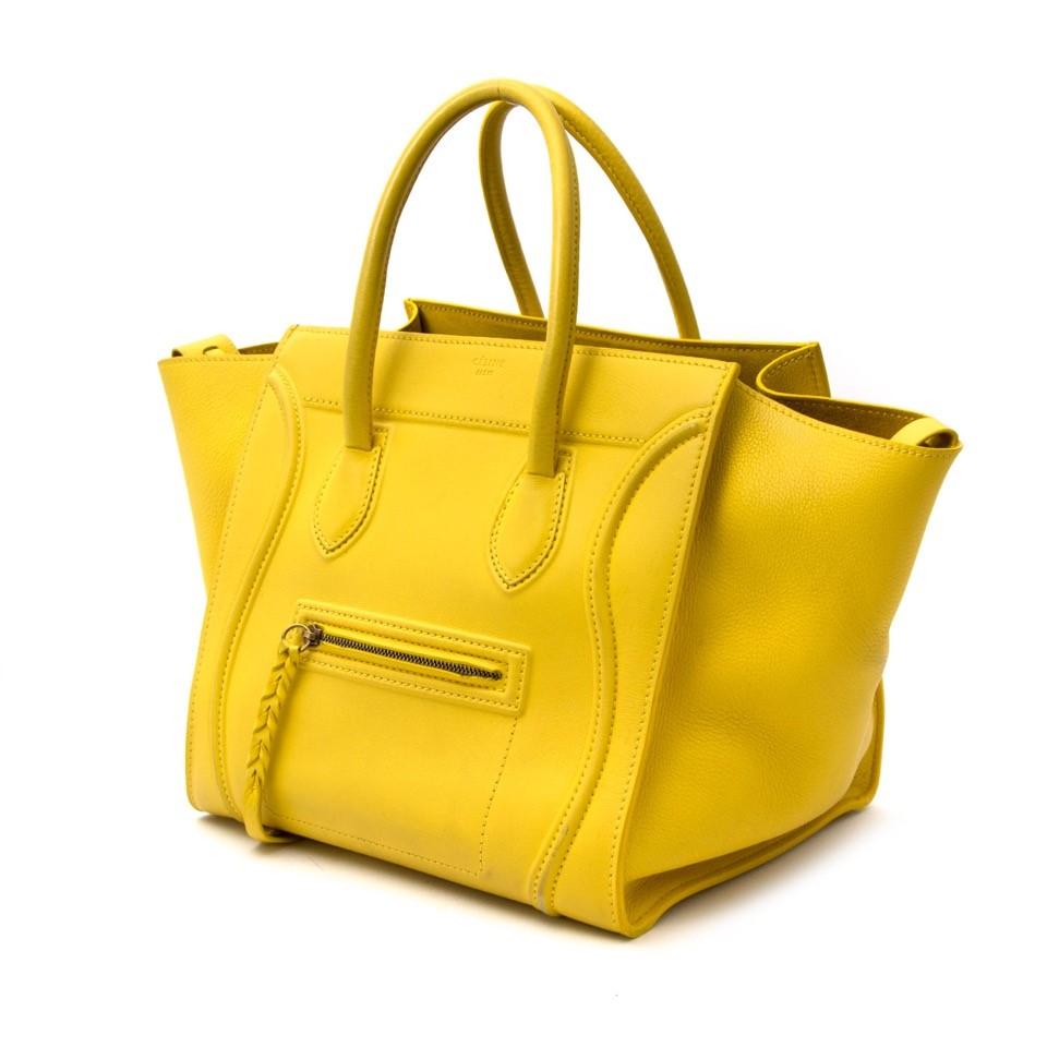 Searching for the perfect colorful Céline bag? We buy and sell your bags for the best price. Zoekt u de ideale kleurrijke Céline handtas? Wij kopen en verkopen uw handtassen voor de beste prijs.