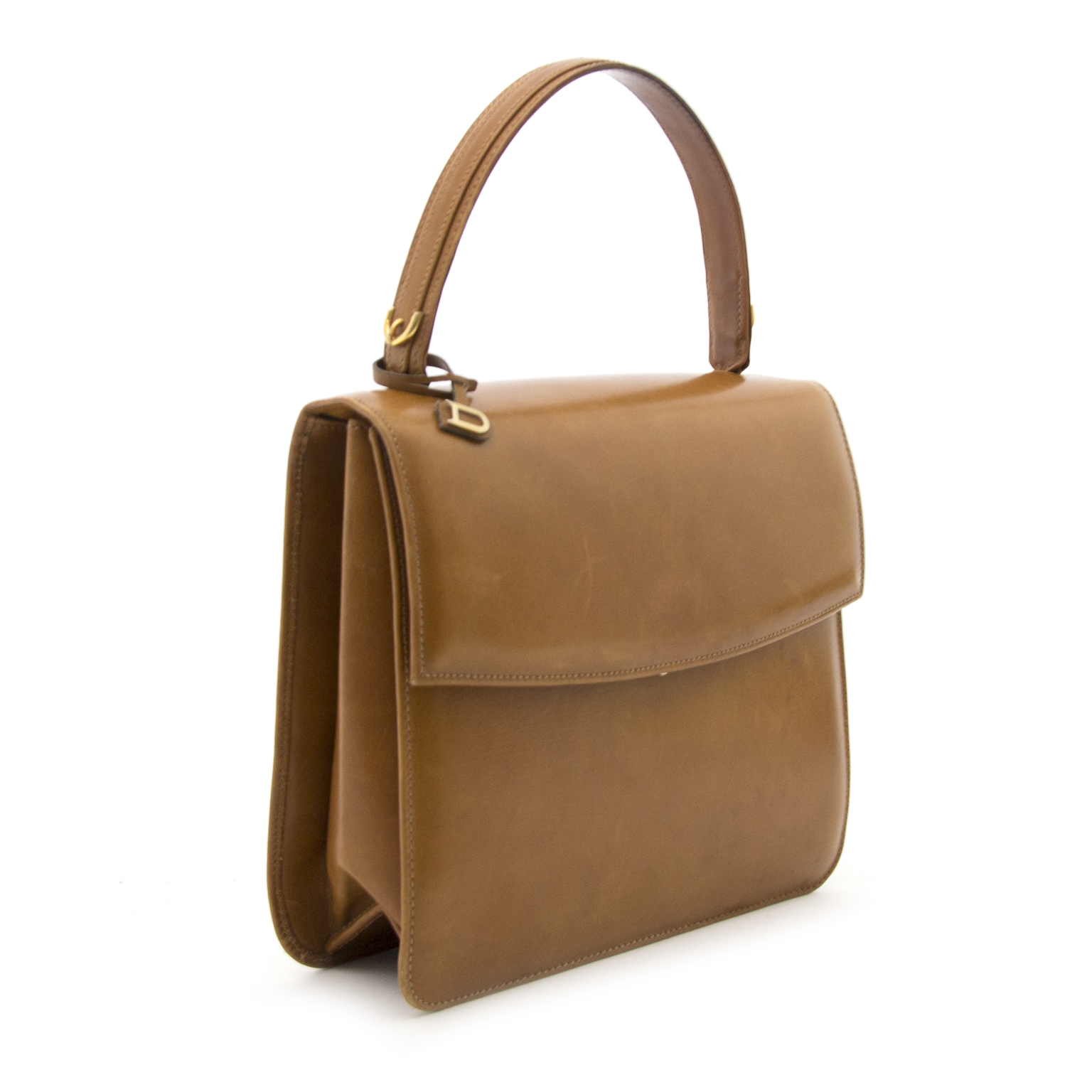 Now on www.labellov.com a real Delvaux top handle bag at the best price.