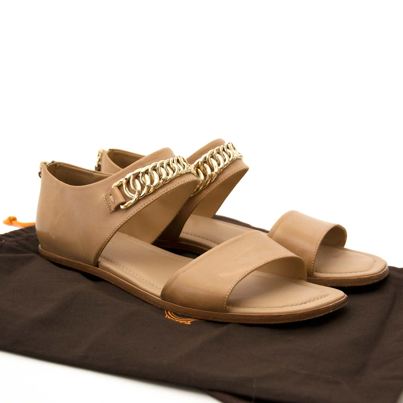 Buy Tod's chain sandals now online at Labellov vintage fashion webshop