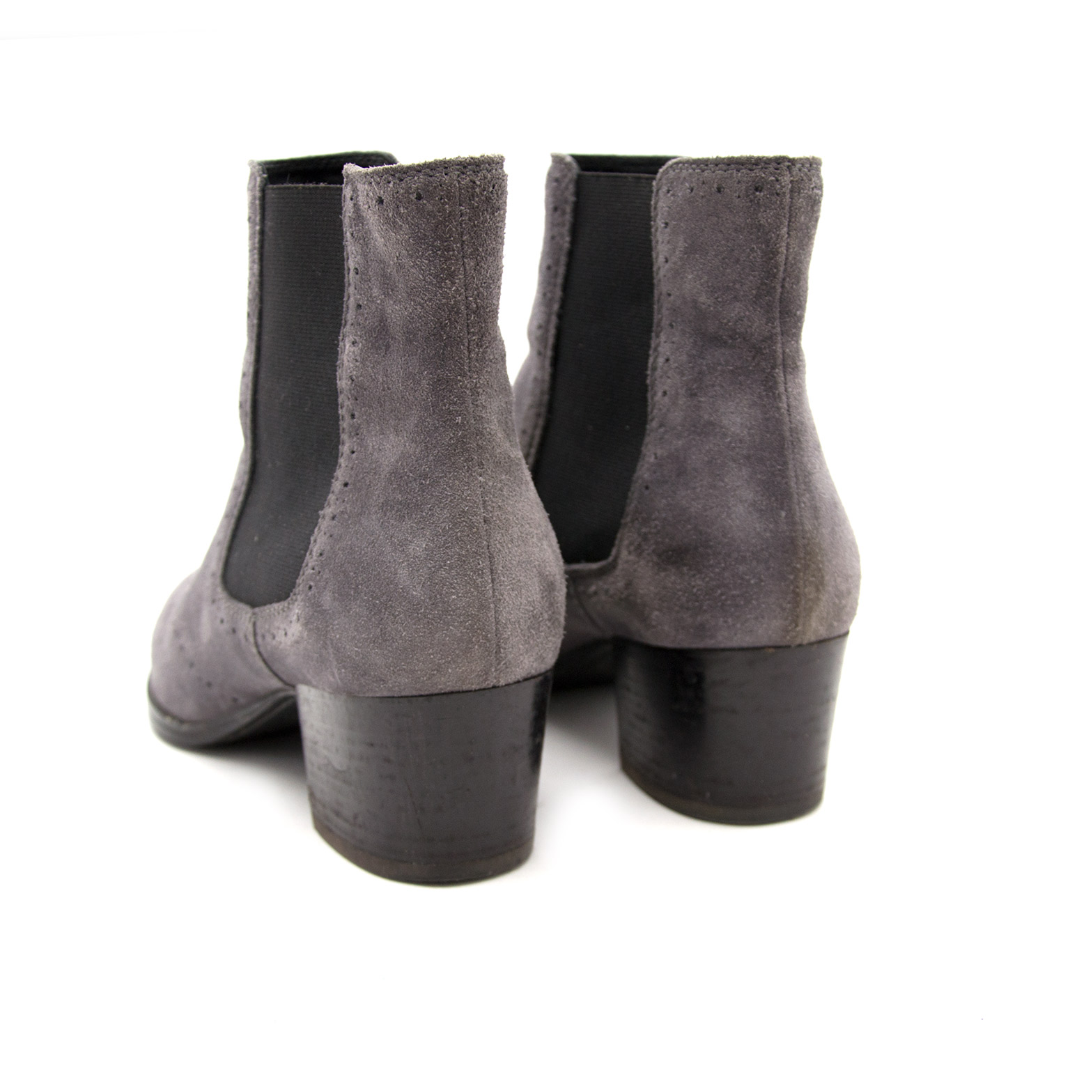 Looking for authentic Tod's Grey Suede Booties? We buy and sell online.