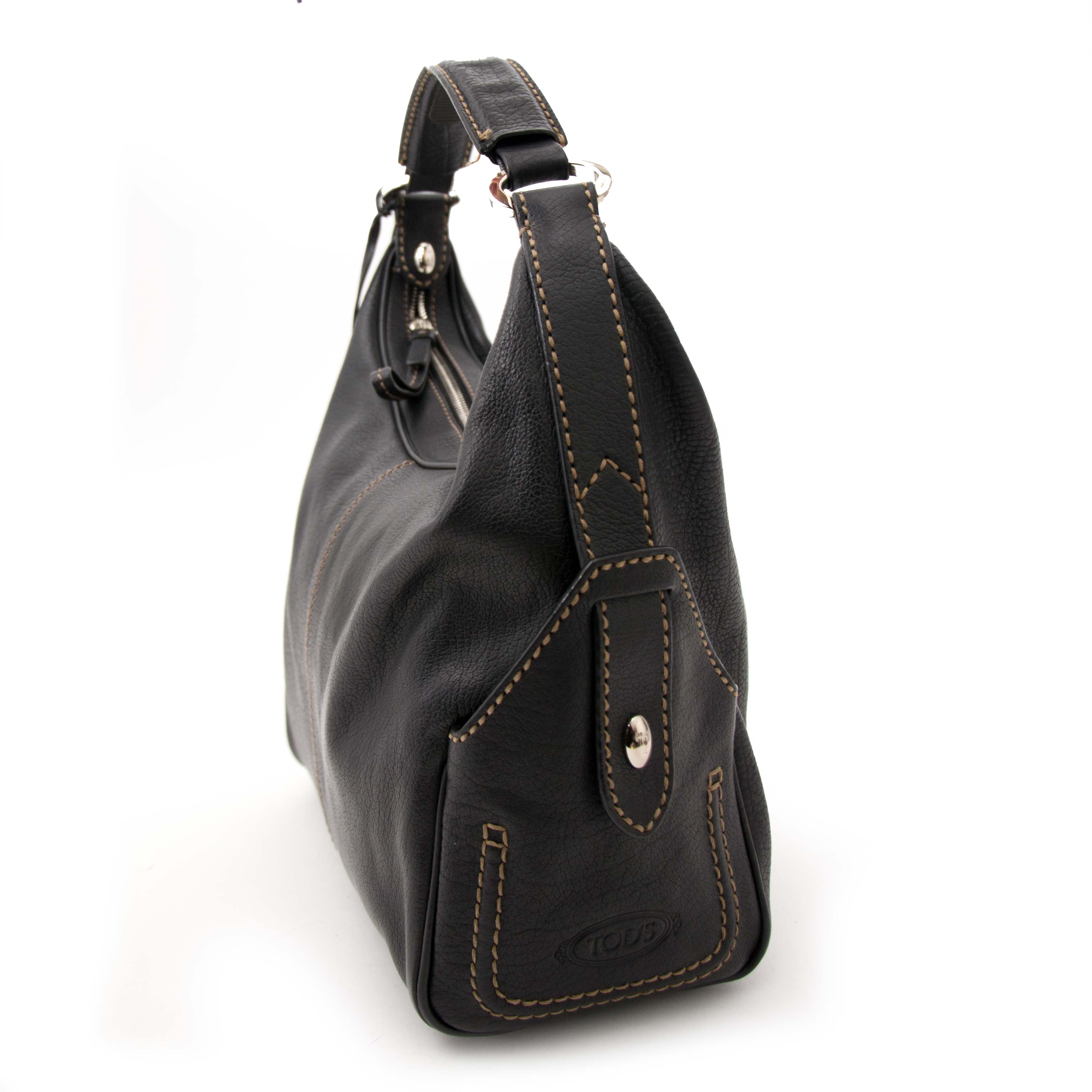 looking for a secondhand Tod's Black Leather Handbag