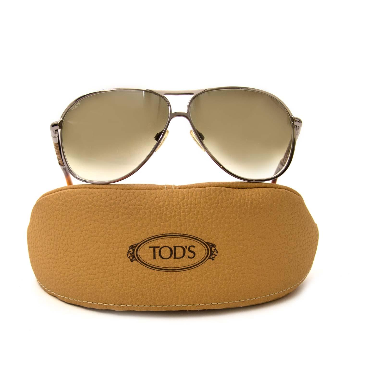 Tod's zonnebrillen nu te koop bij vintage webshop Labellov