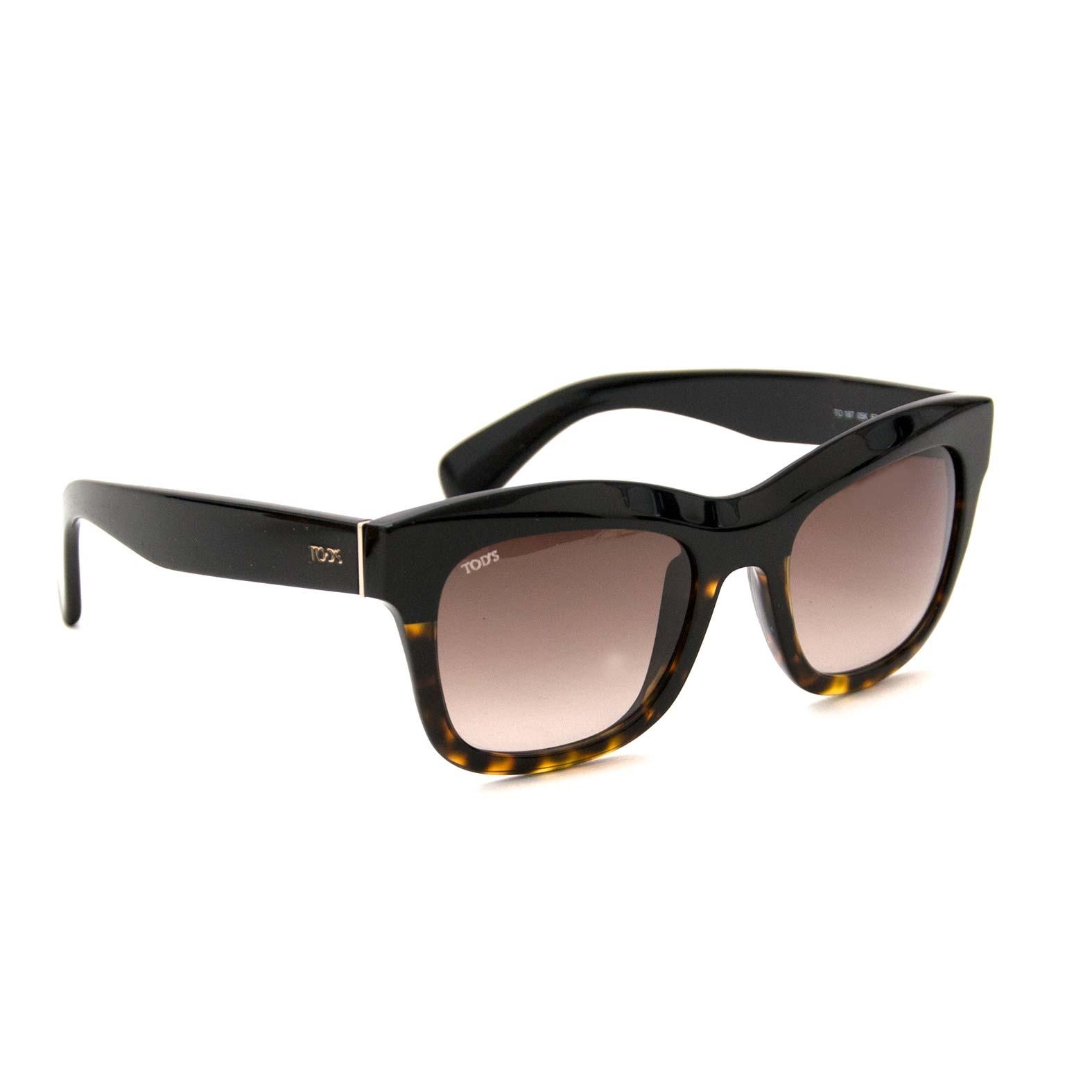 Buy your pair of authenti Tod's Black and Tortoise Sunglasses kopen en verkopen