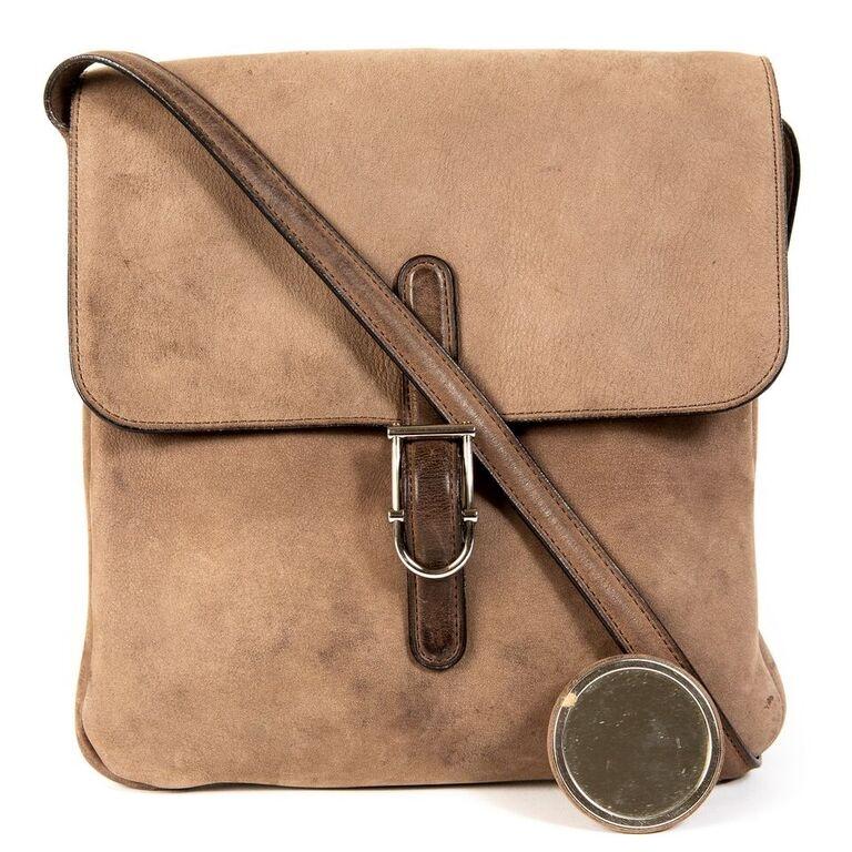 Buy secondhand Delvaux handbags at Labellov.