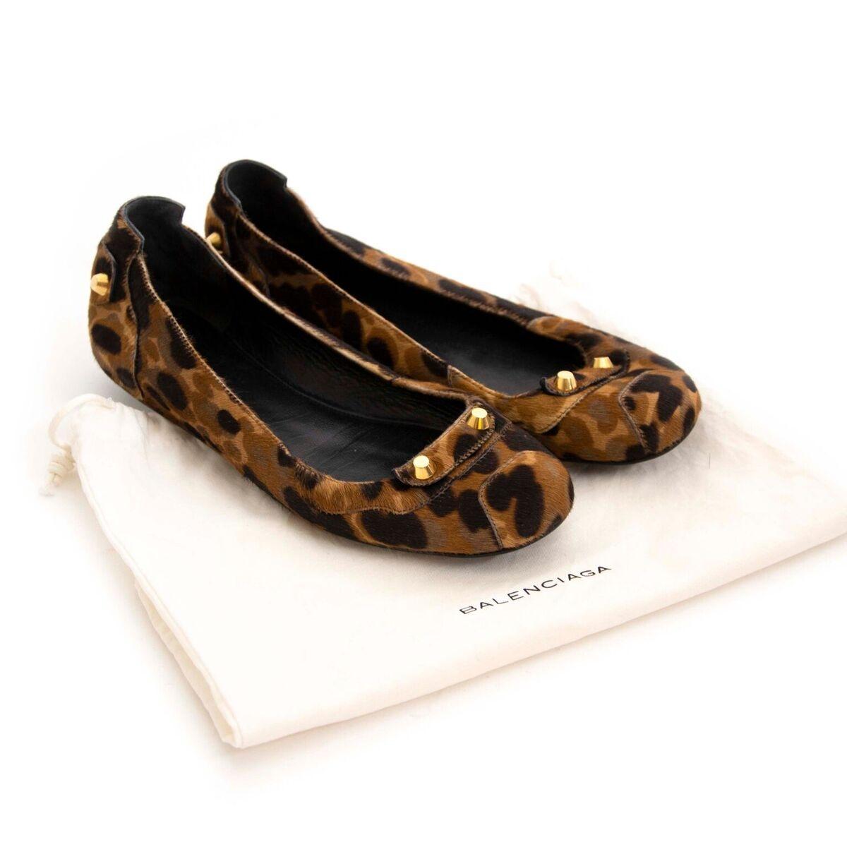 Koop tweedehands Balenciaga schoenen bij Labellov.