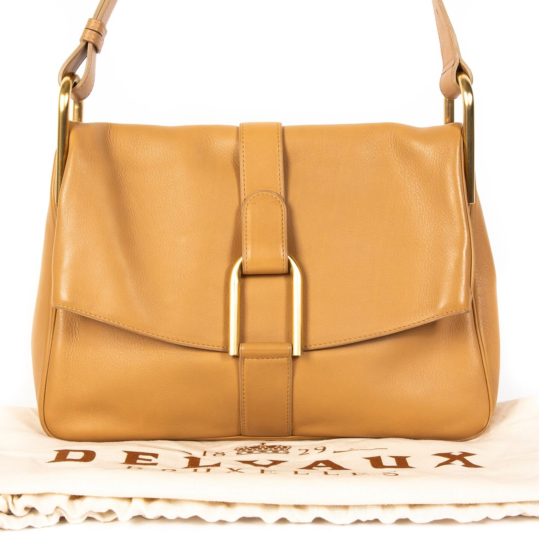 Buy authentic secondhand Delvaux Givry at the right price at LabelLOV vintage webshop.