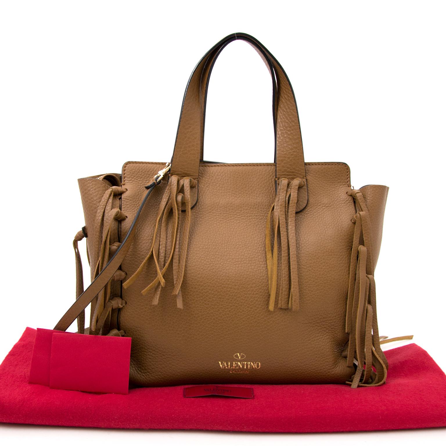 faf5200ebf9f7 Labellov Buy authentic vintagePrada designer bags, shoes, clothes ...