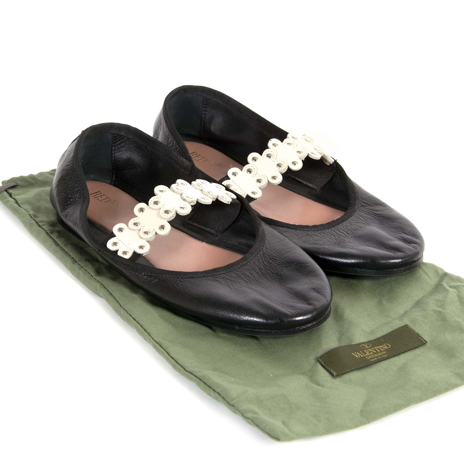 Red Valentino Black Flower Studded Ballerinas - Size 40 now for sale at labellov vintage fashion webshop belgium