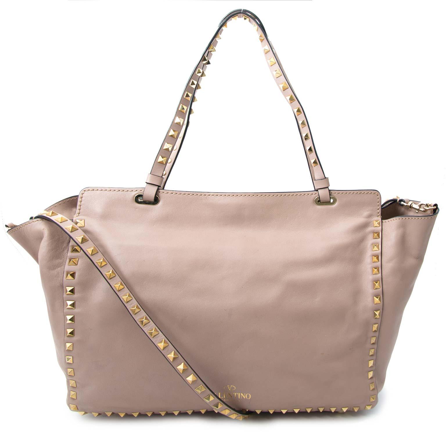 acheter en linge pour le meilleur prix Valentino Rockstud Medium Blush Tote Bag