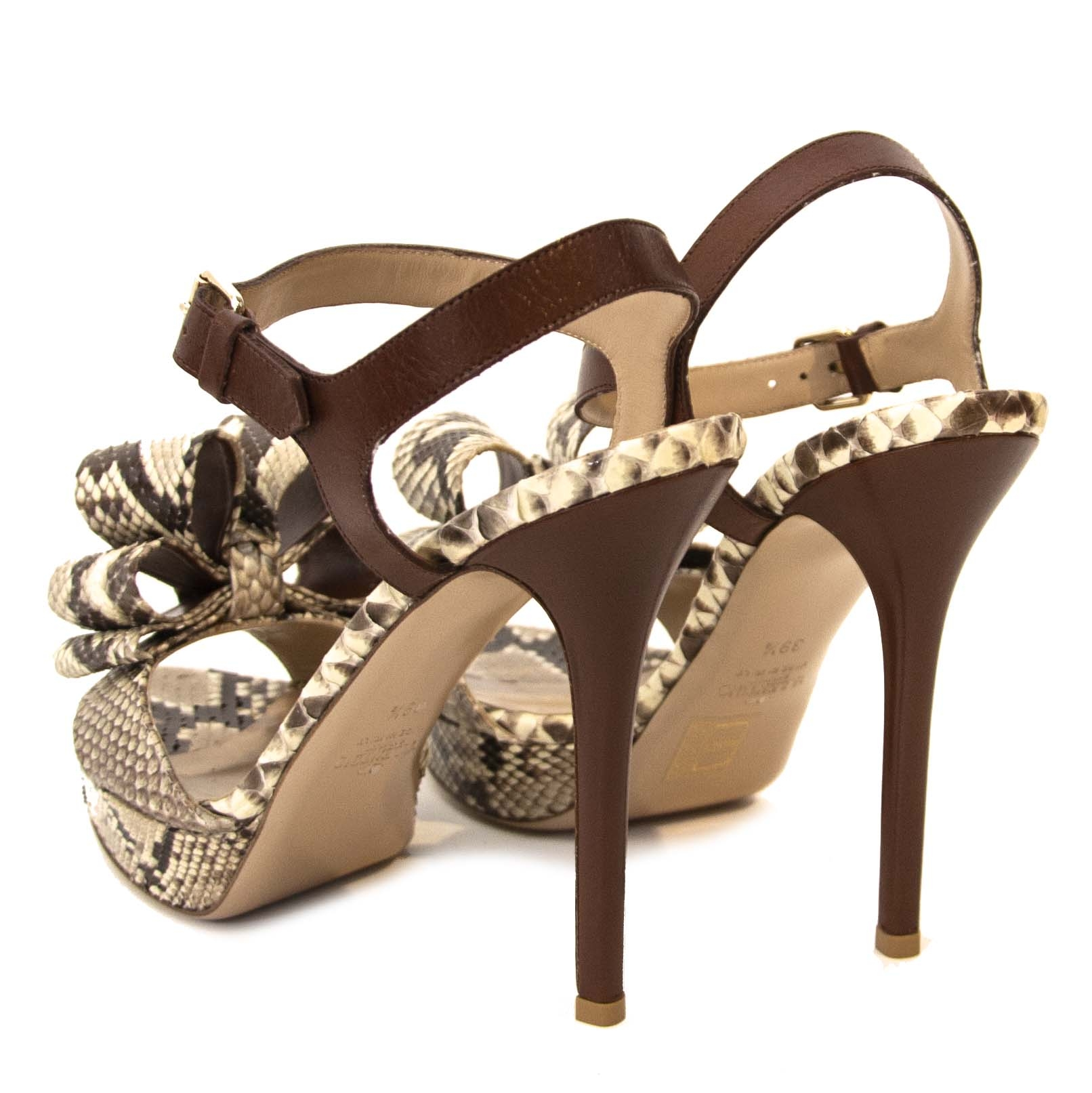 Valentino Python Bow Heels - size 39.5 kopen en verkopen aan de beste prijs bij Labellov tweedehands lue in Antwerpen