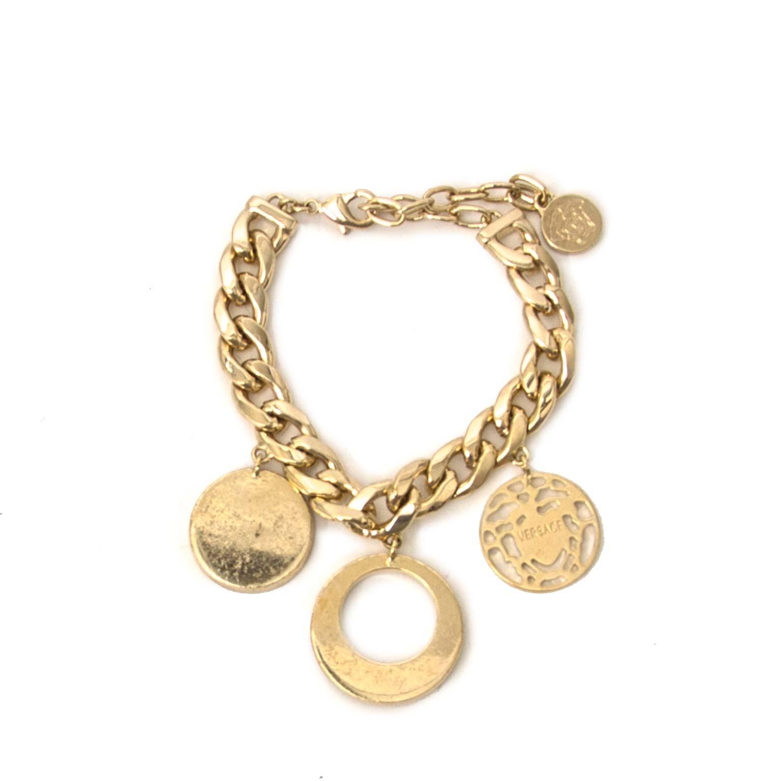 acheter en ligne sconde main Versace Gold Tone Pendant Necklace