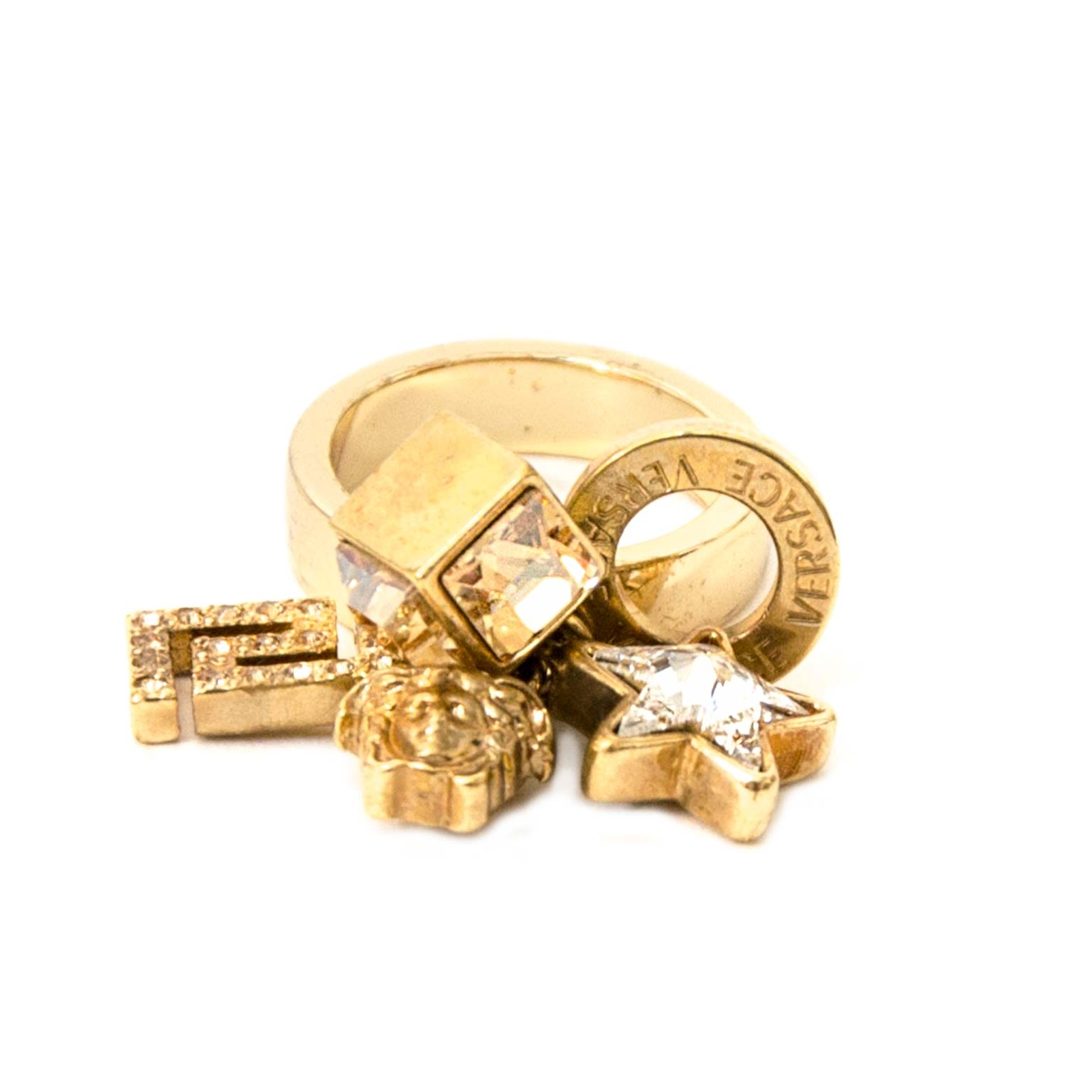 Safe online shopping at labellov vintage fashion webshop belgium with versace medusa charm rings