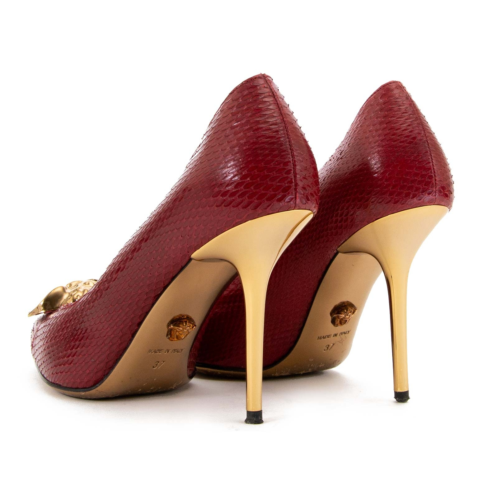 buy and sell second hand Versace Red Leather Medusa Pumps - Size 37 at labellov antwerp for the best price