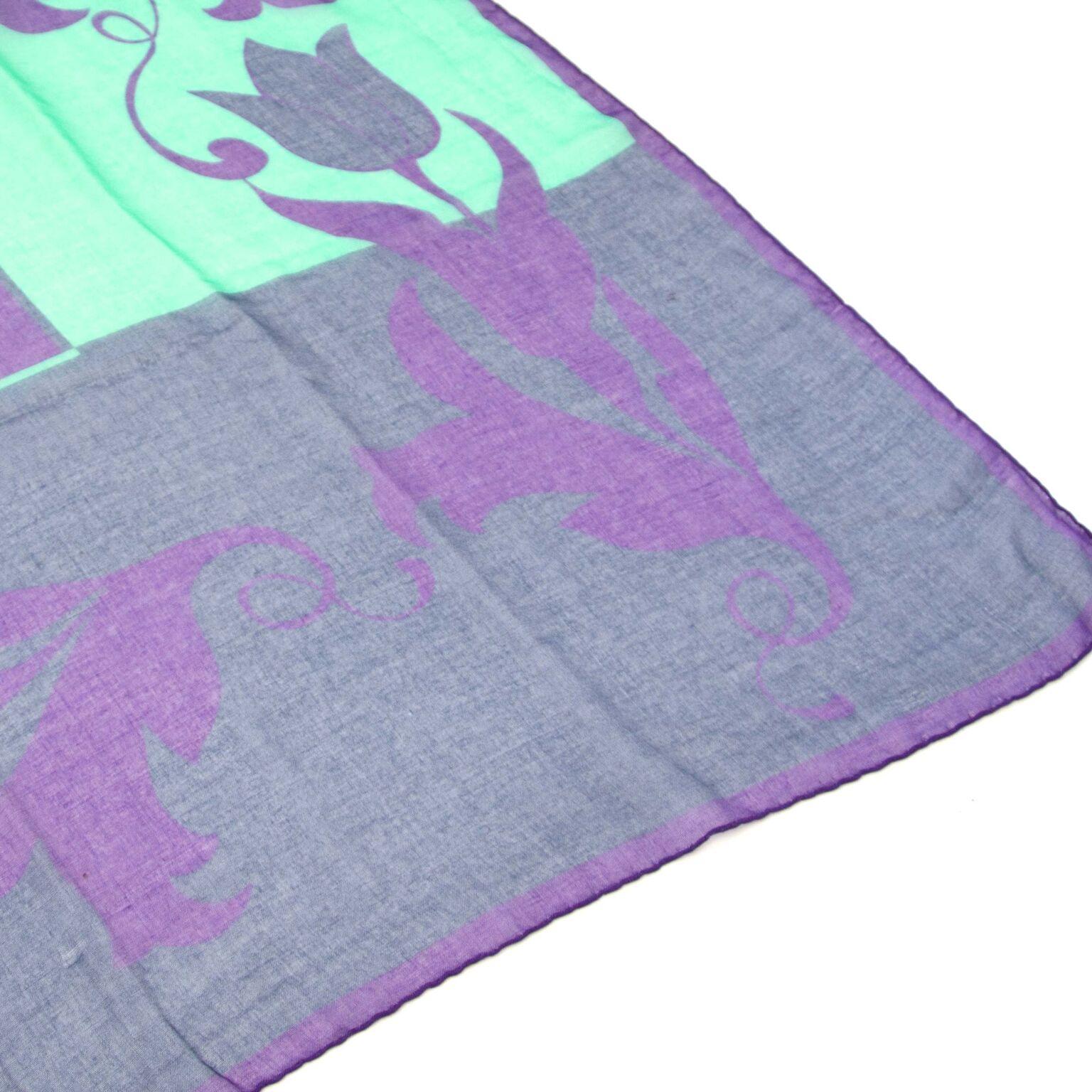 Buy vintage scarfs now safe online on the webshop labellov.com