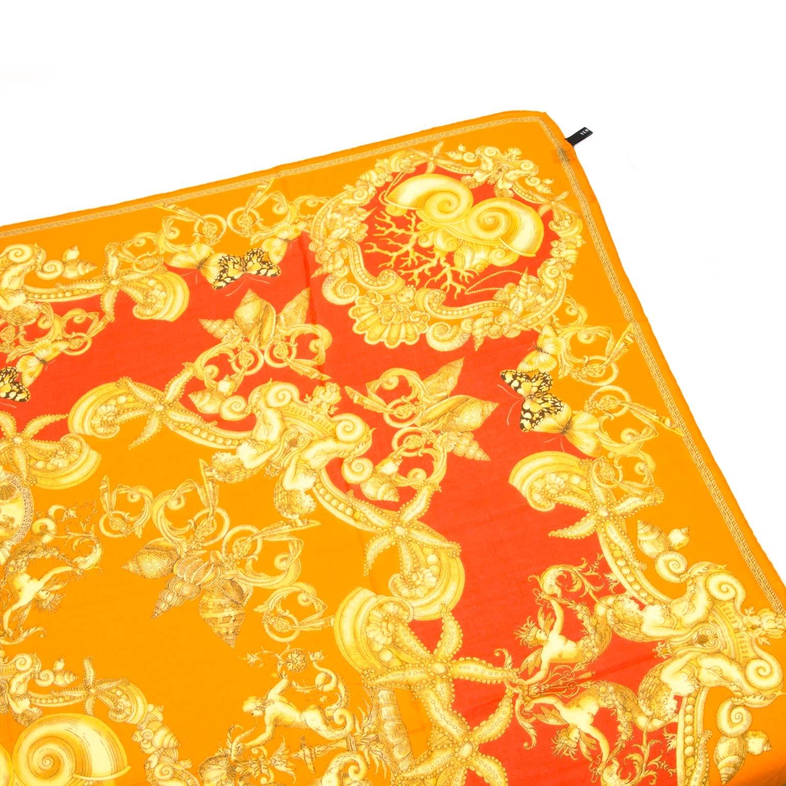 Koop authentieke versace sjaals bij labellov vintage mode webshop belgië