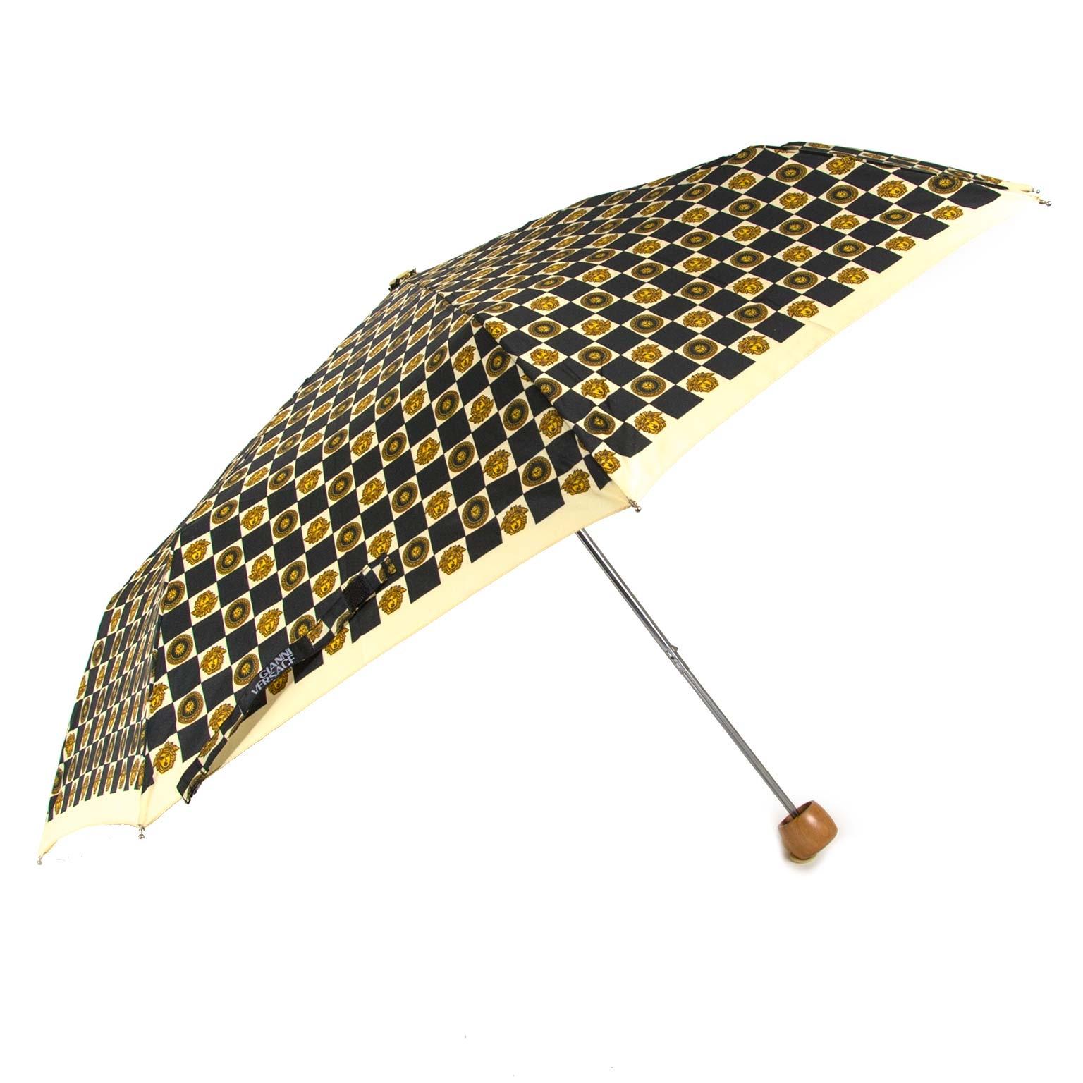 koop authentieke tweedehands Versace Medusa Head Print Umbrella bij labellov antwerpen aan de beste prijs