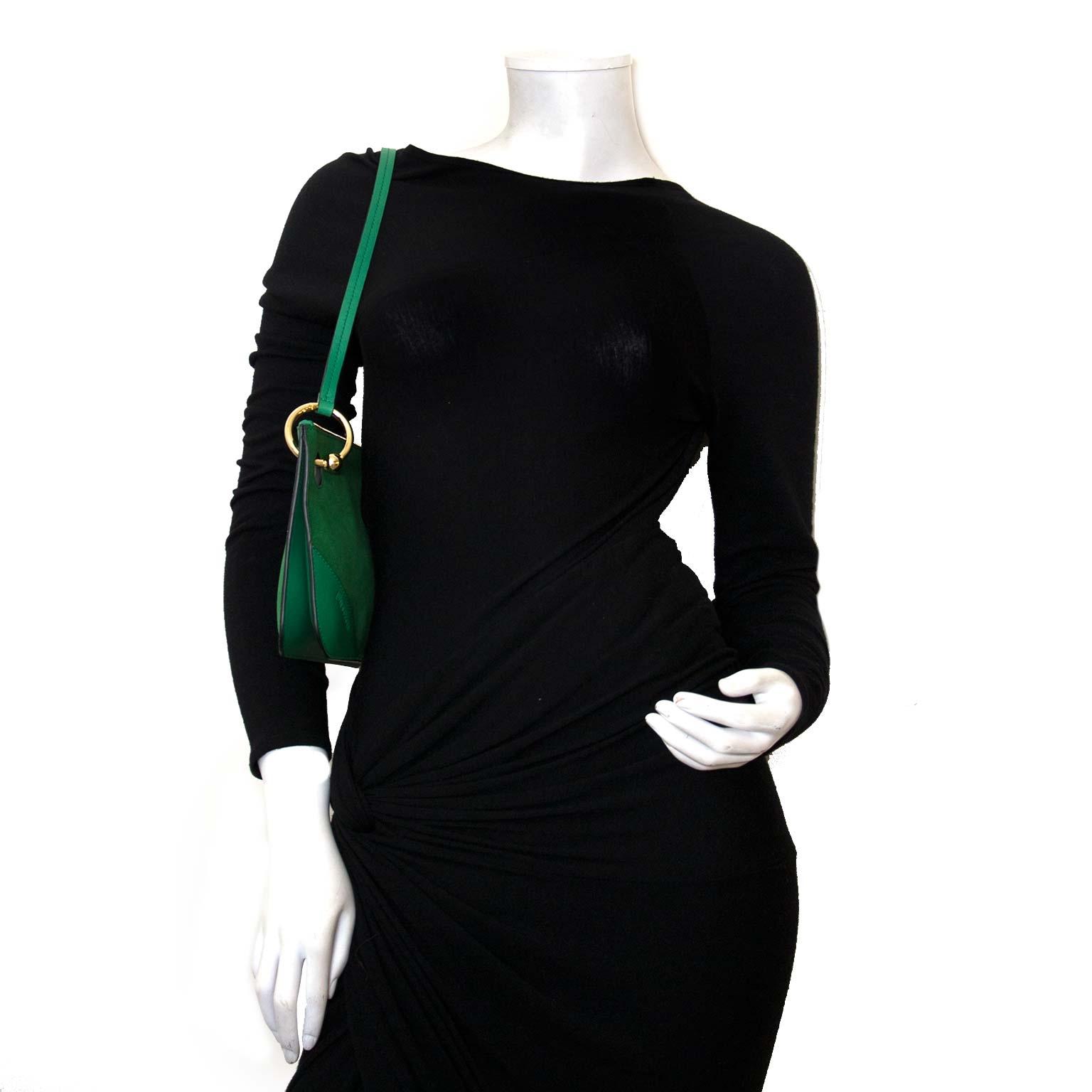 koop authentieke jw anderson emerald groen pierce clutch nu bij labellov vintage mode webshop belgië