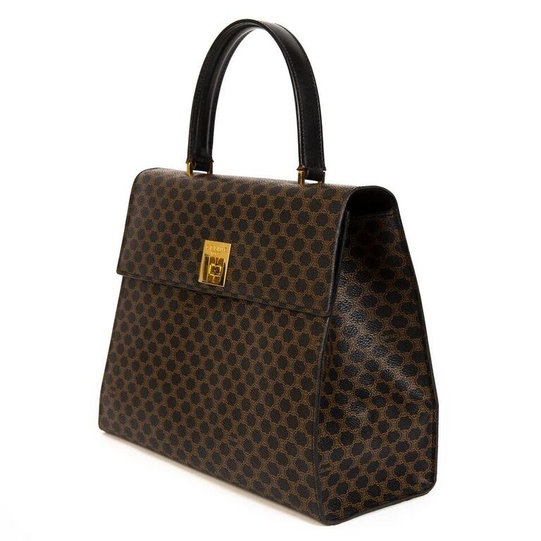Buy secondhand Celine handbags at Labellov.
