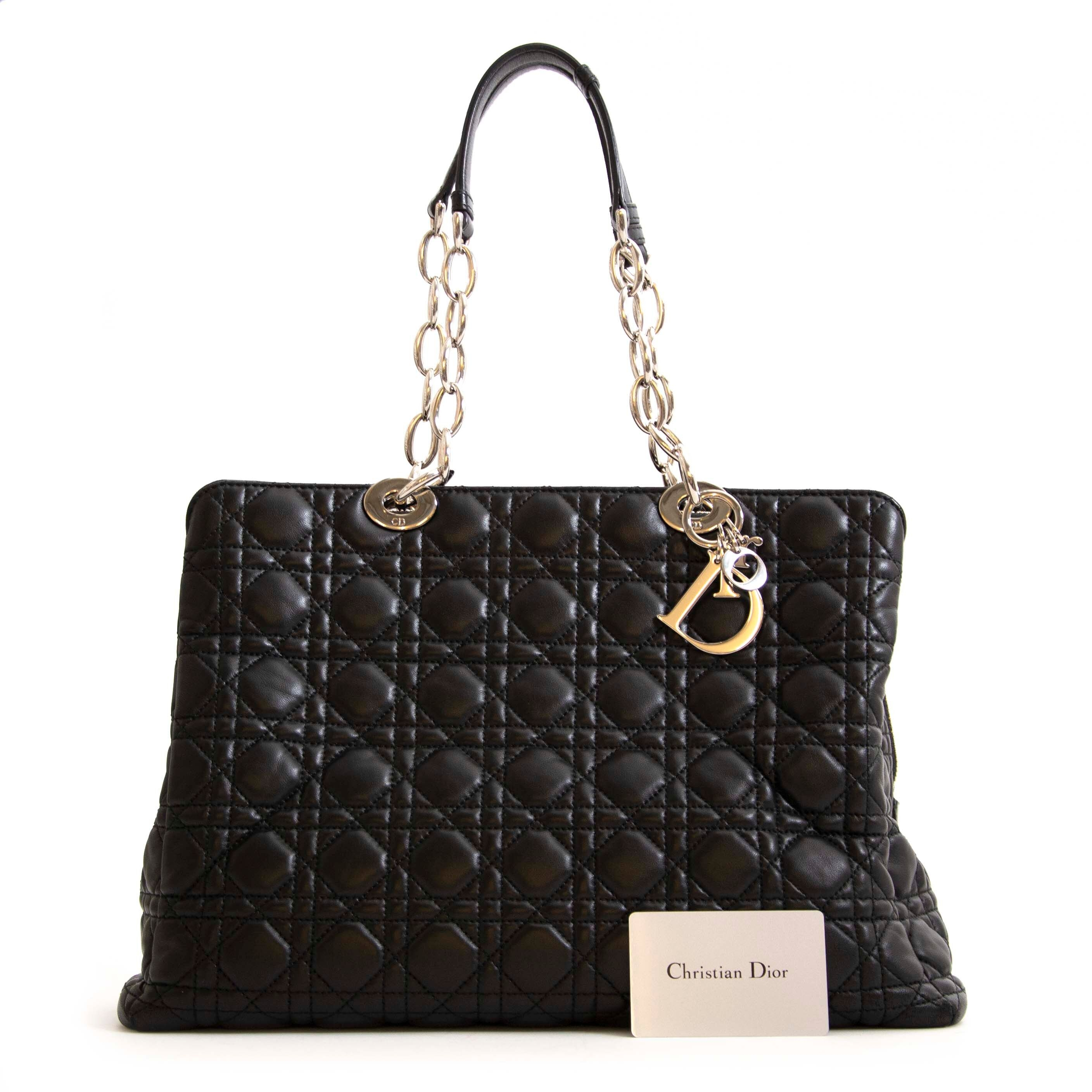 Acheter en ligne seconde main Christian Dior Lambskin Cannage Large Black Soft Shopping Tote.