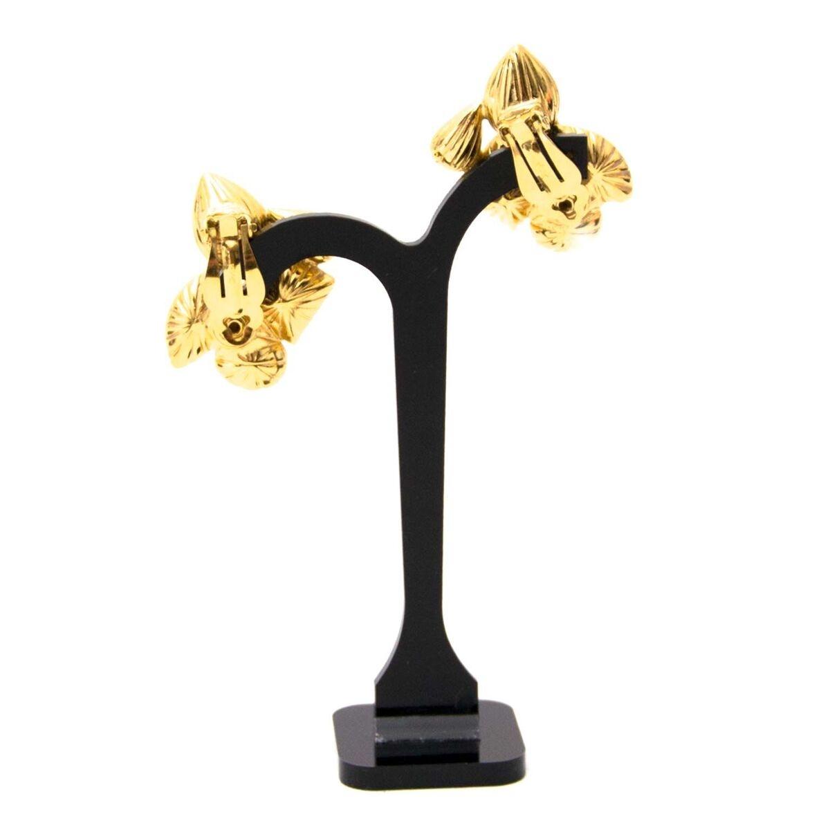 Koop authentieke tweedehands YSL oorbellen aan een eerlijke prijs bij LabelLOV. Veilig online shoppen.
