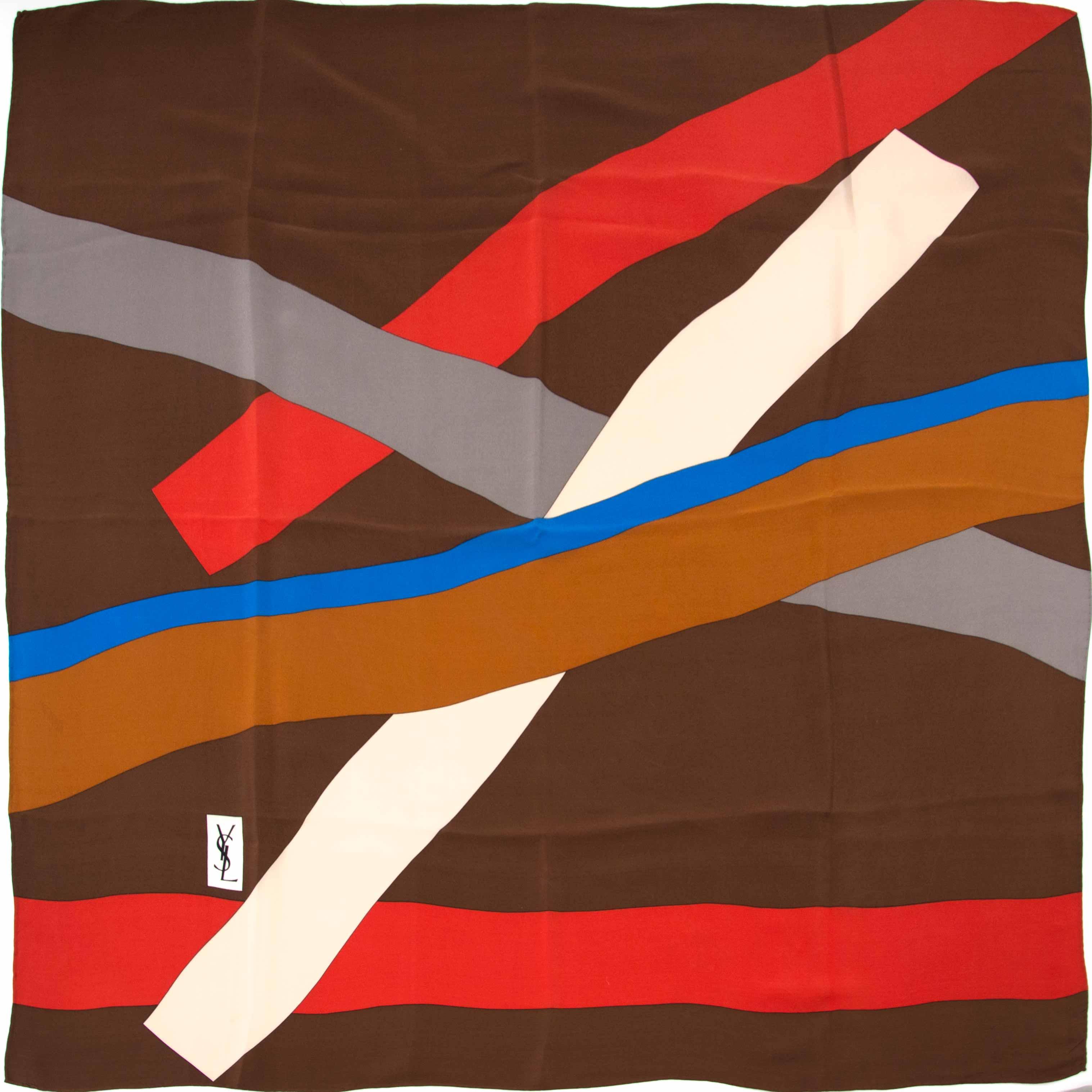 koop nu veilig en online jouw tweedehands Yves Saint Laurent Multicolor Scarf op labellov.com