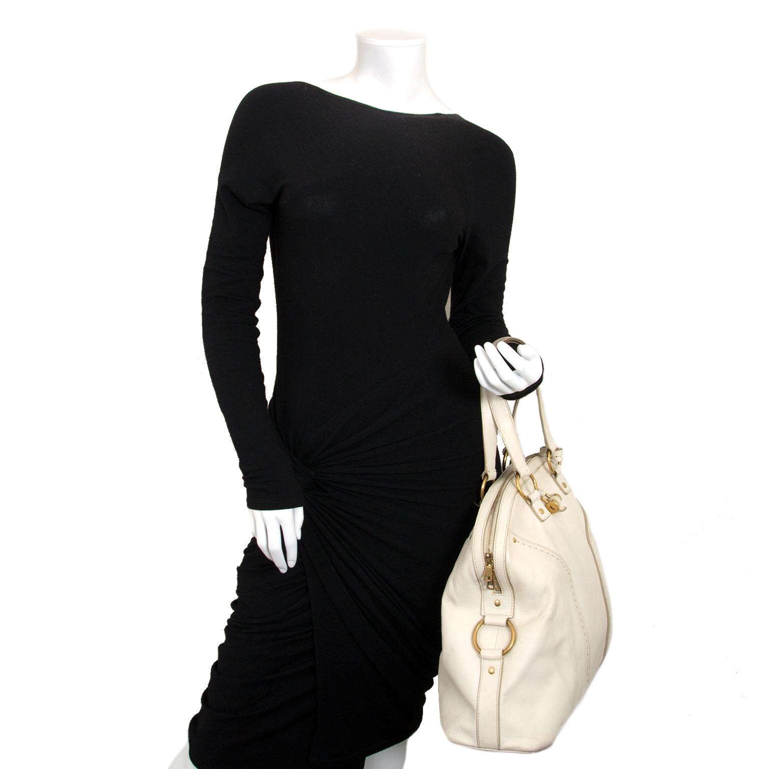 Koop en verkoop uw 100% authentieke Yves Saint Laurent White Muse Bag bij Labellov